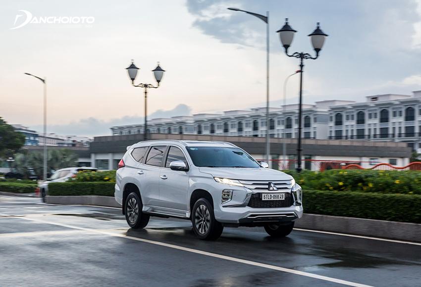 Hệ thống lái Mitsubishi Pajero Sport 2020 vẫn trung thành với trợ lực dầu