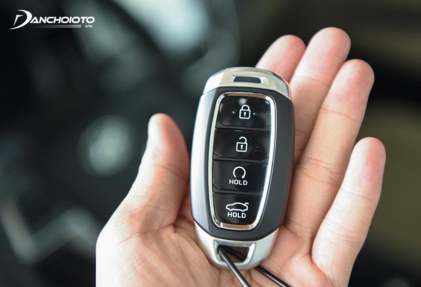 Hyundai Accent 2021 là chiếc xe hiếm hoi trong phân khúc có công nghệ điều khiển khởi động từ xa