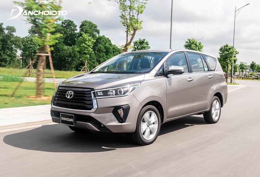 """Khối động cơ 2.0L của Toyota Innova được đánh giá """"đủ dùng"""""""
