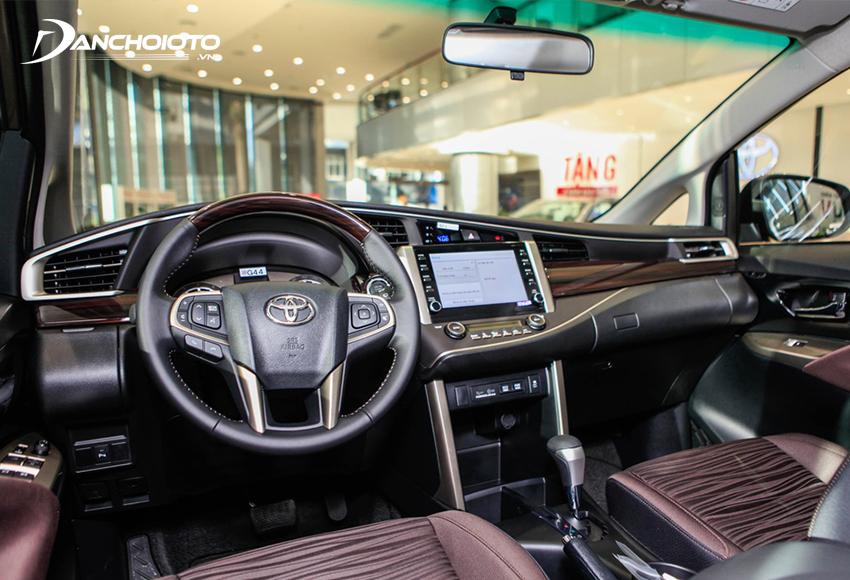 """Khu vực taplo Toyota Innova 2020 duy trì thiết kế từ """"người tiền nhiệm"""""""