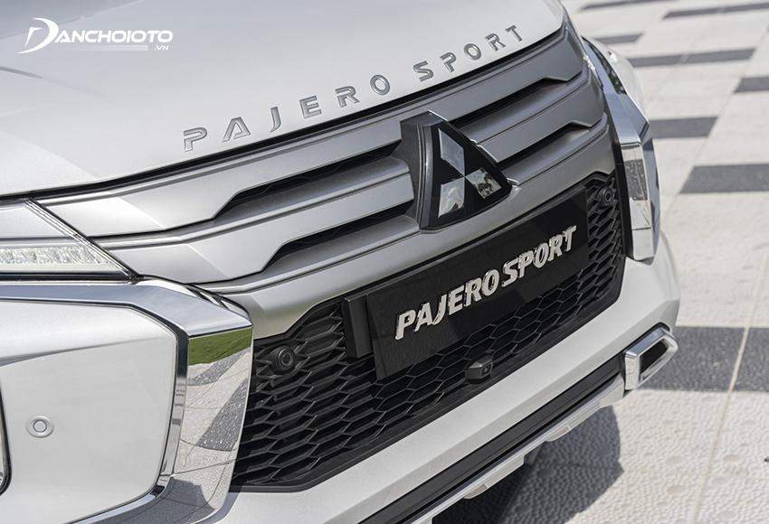 Lưới tản nhiệt Pajero Sport 2020 tái thiết kế mạnh mẽ và sang trọng hơn trước