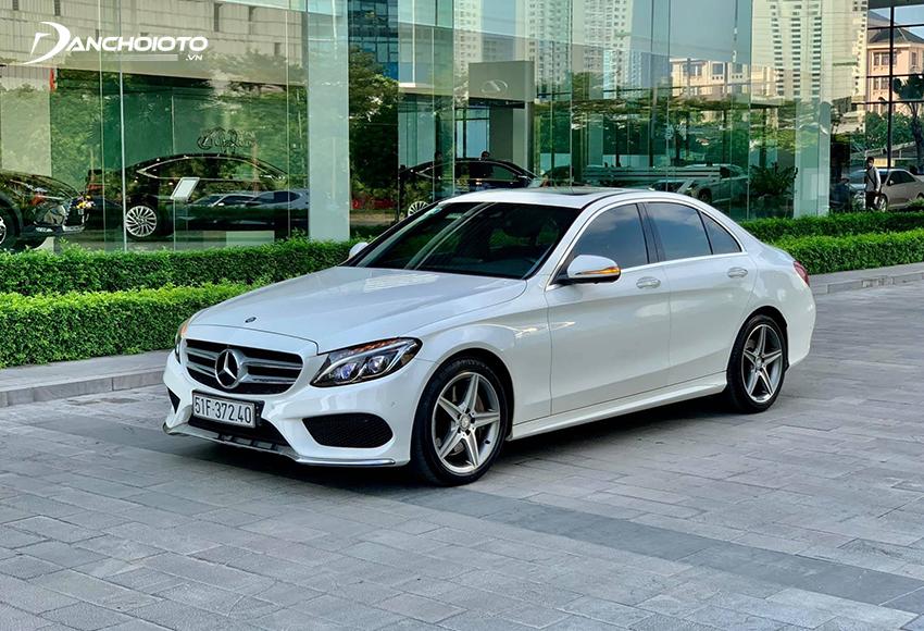 Mercedes C300 cũ là bản cao cấp nhất của dòng C-Class