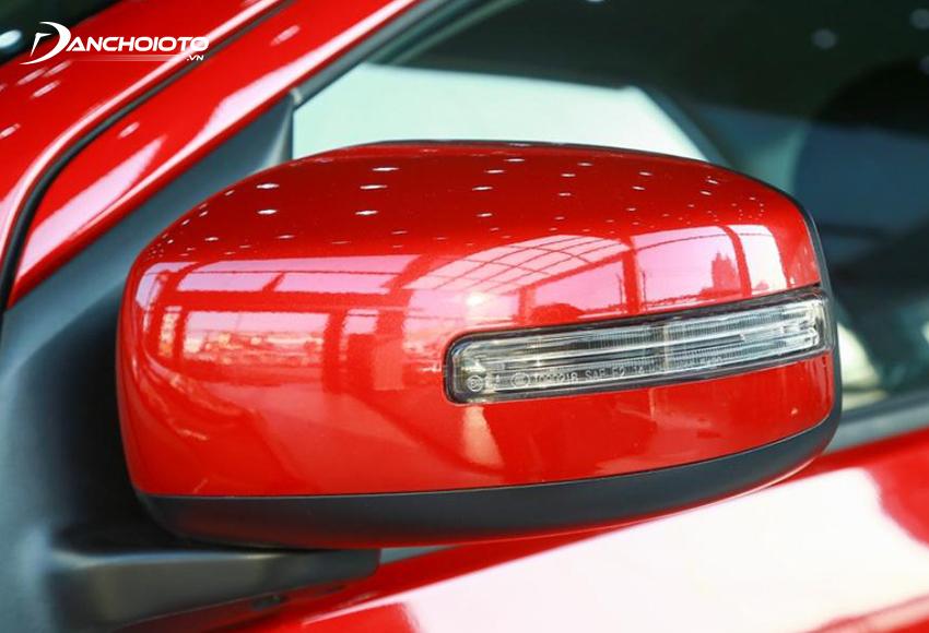 Mitsubishi Attrage 2020 CVT có gương chiếu hậu trang bị đầy đủ các tính năng gập điện, chỉnh điện và đèn báo rẽ