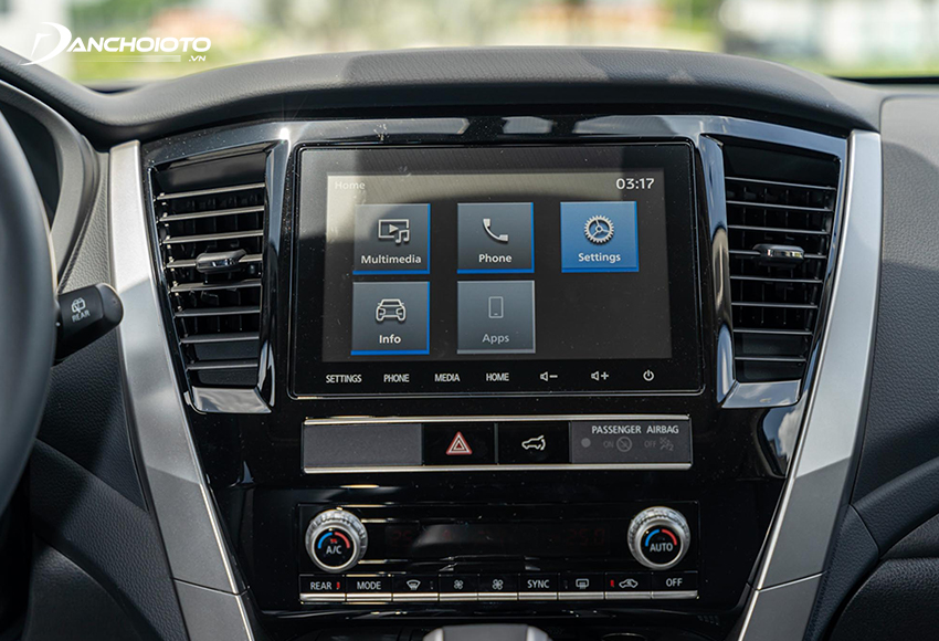 Mitsubishi Pajero Sport 2020 được trang bị màn hình trung tâm loại cảm ứng 8 inch, âm thanh 6 loa