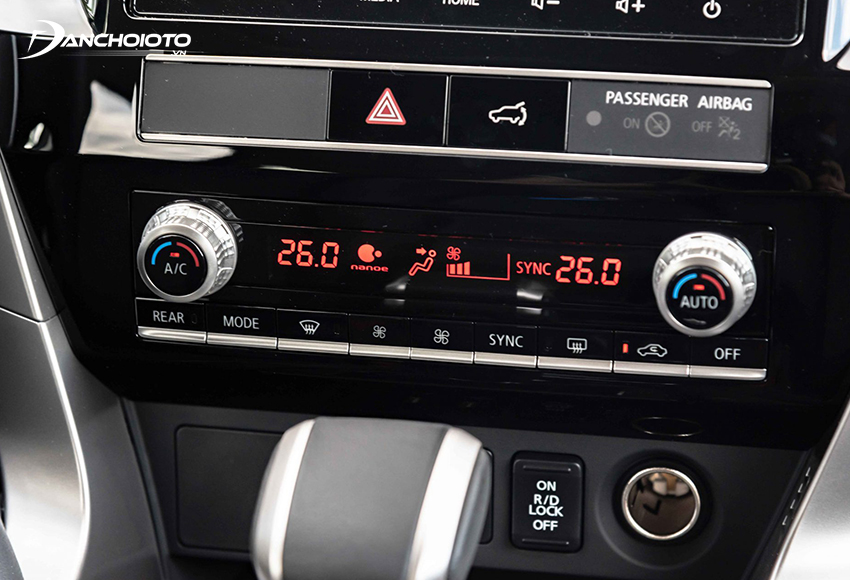 Mitsubishi Pajero Sport 2020 sử dụng điều hoà 2 vùng độc lập cùng hệ thống làm sạch không khí NanoE