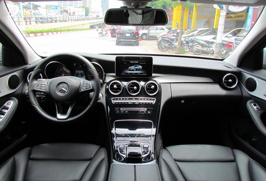 Nội thất Mercedes C200 2015 cũ