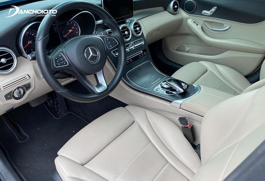 Nội thất Mercedes C200 2017 cũ