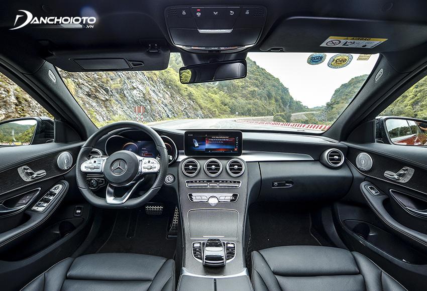 Nội thất Mercedes C300 AMG 2019 cũ