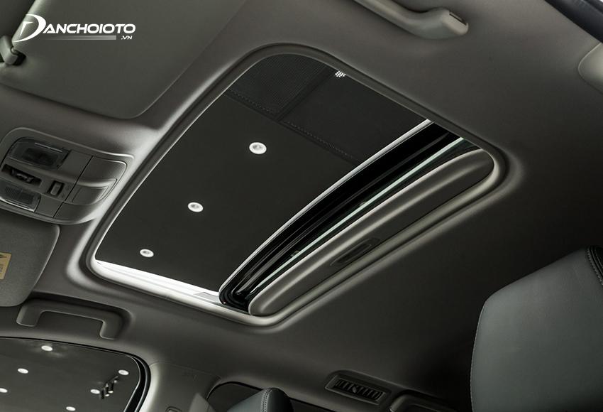 """Phiên bản Pajero Sport cao cấp """"full option"""" có trang bị cửa sổ trời"""