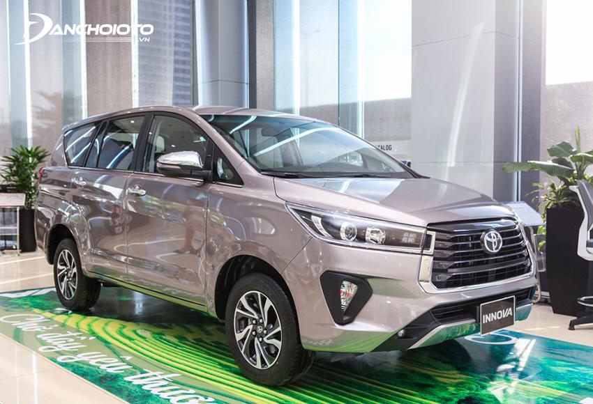 Phiên bản Toyota Innova 2.0G 2020 phù hợp với các gia đình cần một xe đa dụng rộng rãi giá dưới 1 tỷ đồng