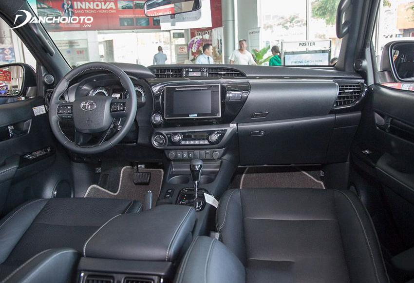 Taplo Toyota Hilux 2019 cũ khá ưa nhìn