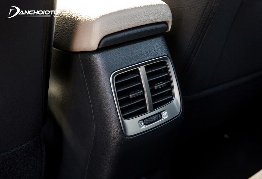Tất cả các phiên bản Hyundai Accent 2021 đều được trang bị cửa gió cho hàng ghế sau