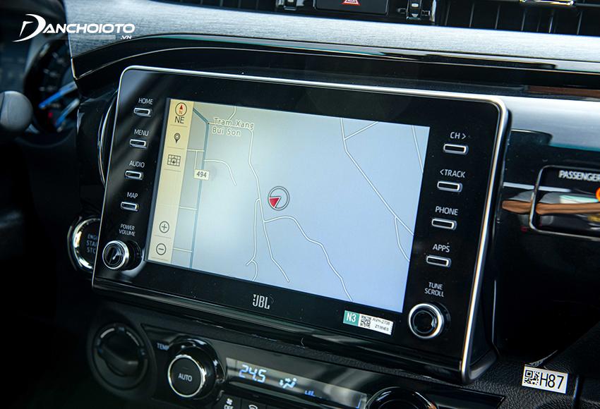 Toyota Hilux Adventure 2.8G 2021 được trang bị màn hình cảm ứng 8 inch, âm thanh 9 loa JBL