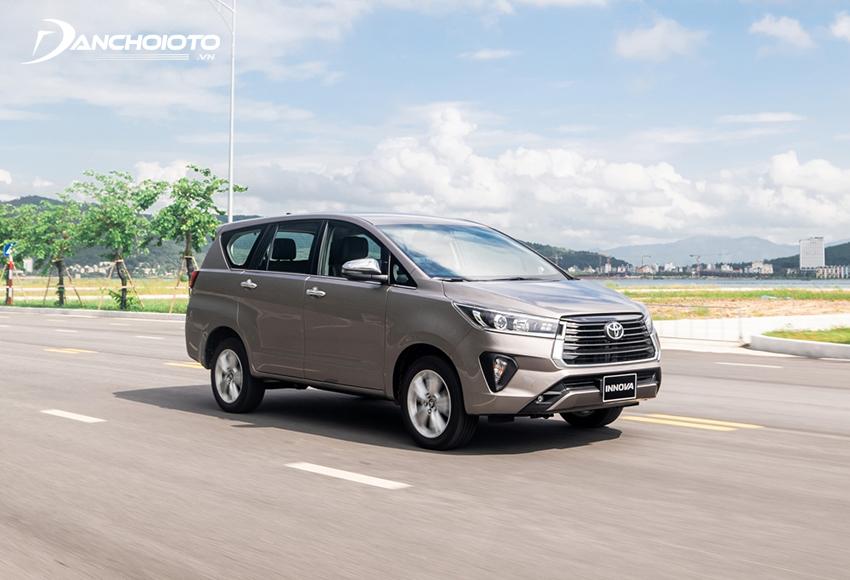 Toyota Innova có khung gầm chắc chắn, ổn định
