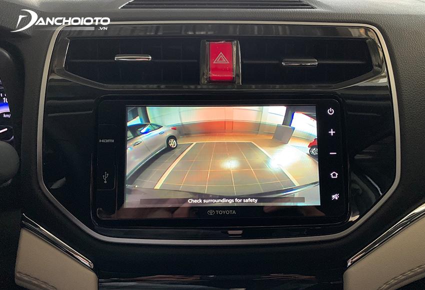 Toyota Rush 2020 có camera lùi và 2 cảm biến phía sau