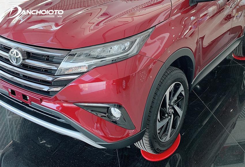 Toyota Rush 2020 được trang bị đèn công nghệ LED, có cả tính năng tự động bật/tắt