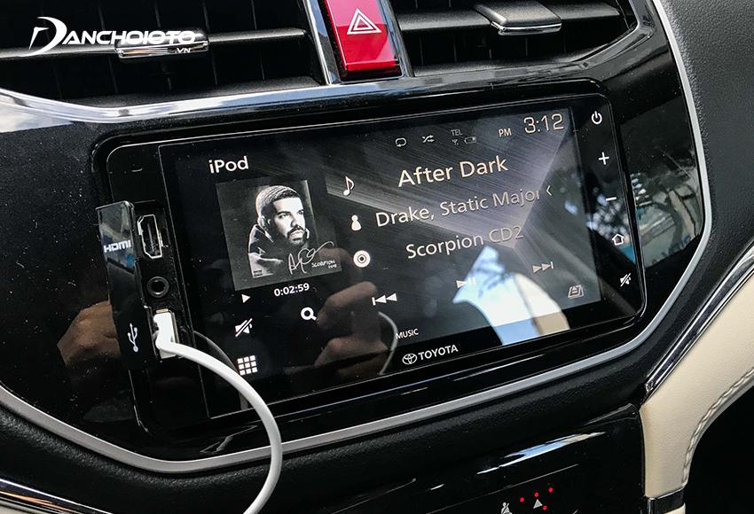 Toyota Rush vẫn sử dụng màn hình cảm ứng 7 inch, âm thanh 8 loa