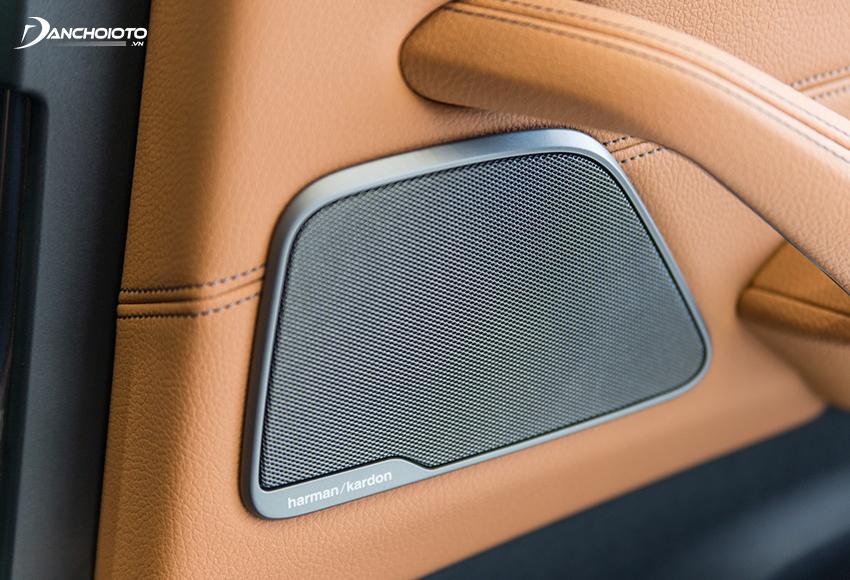 BMW bản 530i cao cấp hơn có 16 loa Harman, công suất 600W