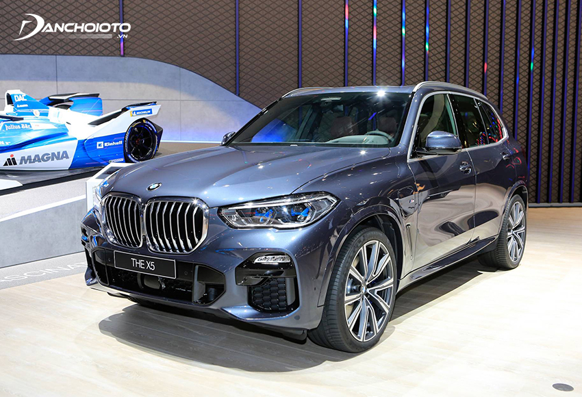 BMW X5 là một mẫu xe ô tô SUV 5 chỗ hạng sang cỡ trung