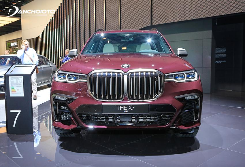 BMW X7 là một mẫu xe ô tô SUV hạng sang cỡ lớn