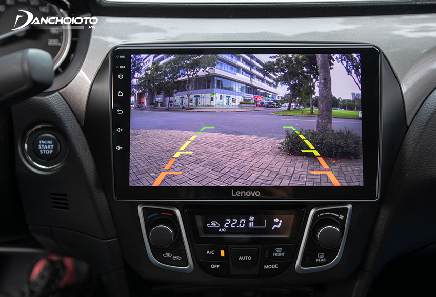 Chất lượng camera lùi Suzuki Ciaz 2021 được đánh giá khá tốt, quan sát rất ổn nhờ màn hình hiển thị rộng