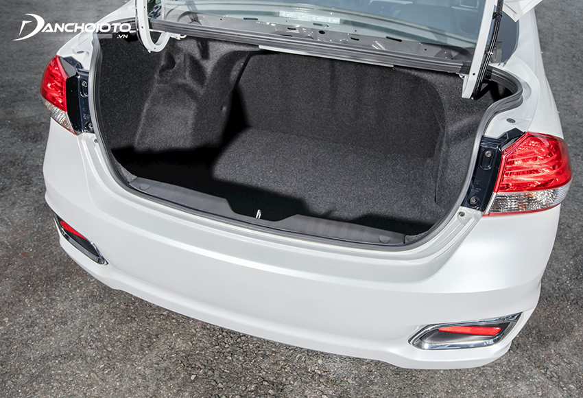 Cốp xe Suzuki Ciaz 2021 có dung tích đến 495 lít