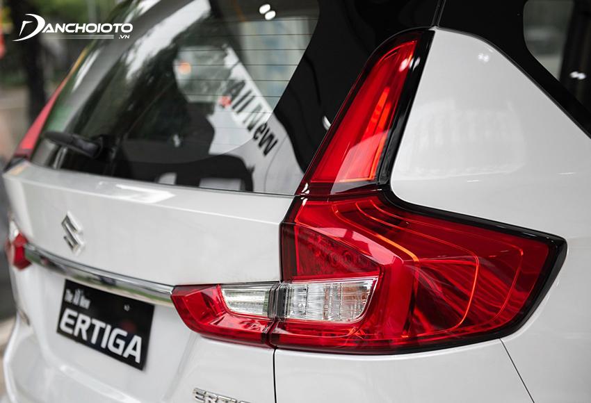 Cụm đèn hậu Suzuki Ertiga 2021 nổi bật với tạo hình chữ L