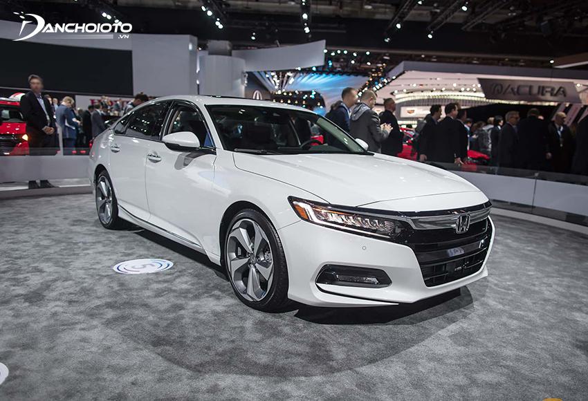 Giá xe Honda 5 chỗ hạng D Accord từ 1,319 tỷ đồng