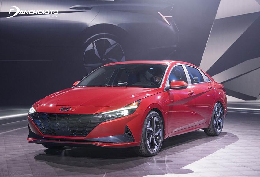 Giá xe Hyundai 5 chỗ Elantra từ 580 – 769 triệu đồng
