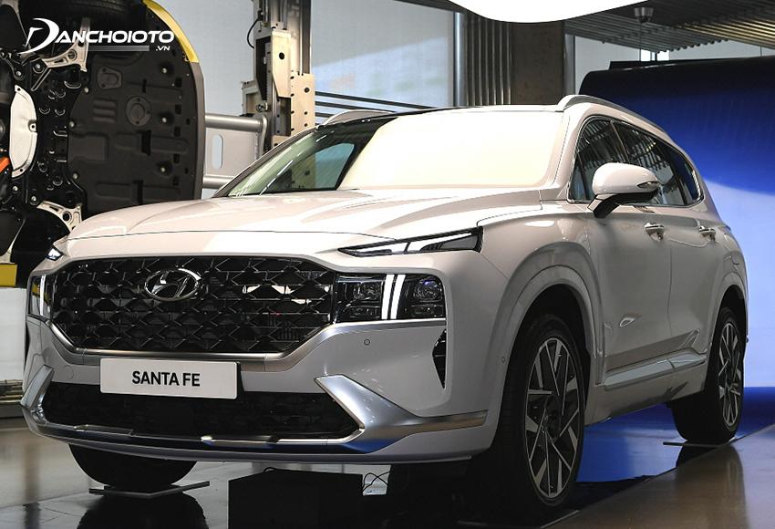 Giá xe Hyundai 7 chỗ SantaFe từ 995 triệu - 1,245 tỷ đồng