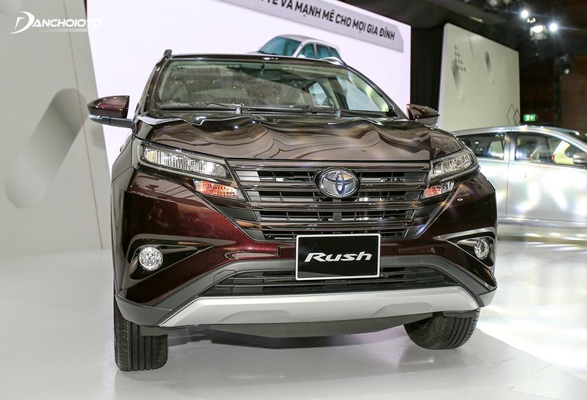 """Giá xe Toyota Rush """"nhỉnh"""" hơn, có một số trang bị hiện đại hơn"""