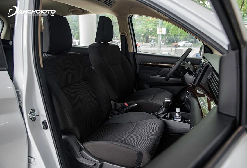 Hàng ghế trước Suzuki Ertiga có độ ôm, ngồi thoải mái