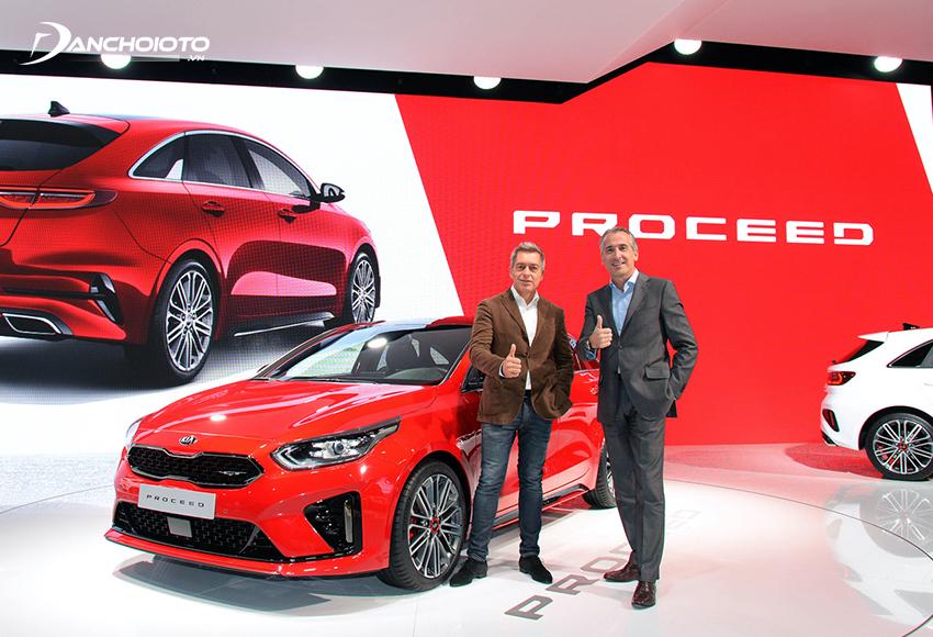 Kia Motors là nhà sản xuất xe đa quốc gia lớn thứ 2 tại Hàn Quốc, đứng thứ 5 châu Á và nằm trong top 15 thế giới