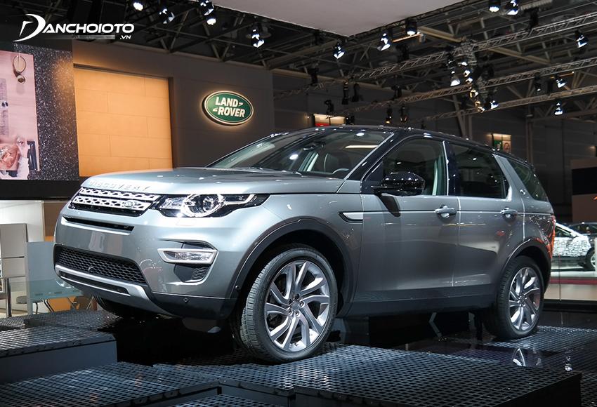 Land Rover Discovery Sport là một mẫu xe SUV 7 chỗ hạng sang cỡ nhỏ