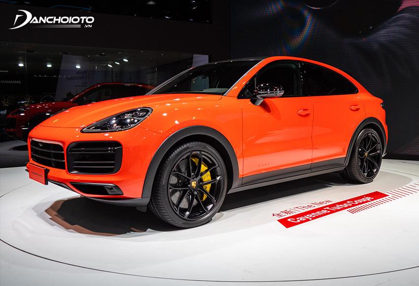 Porsche Cayenne là một mẫu xe SUV 7 chỗ hiệu suất cao