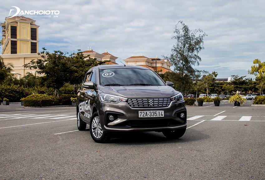 Suzuki Ertiga được trang bị vô lăng trợ lực điện mang đến cảm giác lái nhẹ nhàng