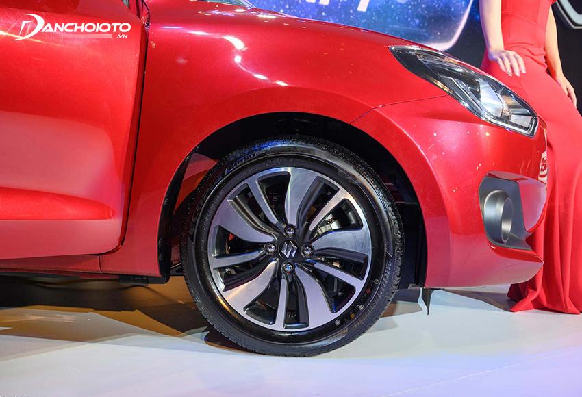 Suzuki Swift 2021 sở hữu bộ mâm 16 inch bề thế và mạnh mẽ