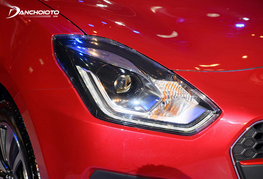Suzuki Swift GLX 2021 được trang bị đèn pha LED Projector cùng dây LED ban ngày thiết kế rất tỉ mỉ