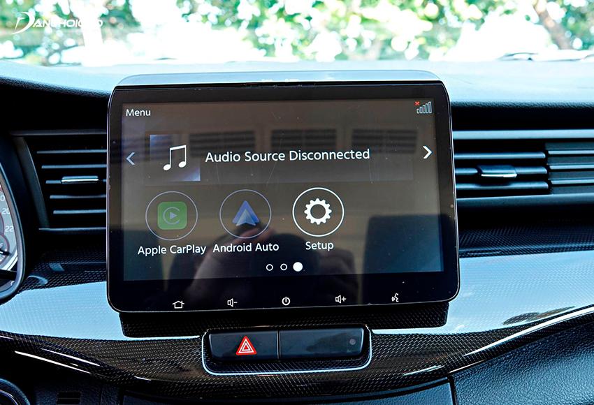 Suzuki XL7 2020 nổi bật trong phân khúc khi được trang bị màn hình trung tâm cảm ứng 10 inch