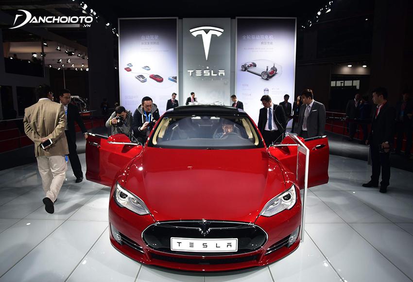 Tesla là công ty chuyên thiết kế, sản xuất và phân phối xe ô tô điện lớn nhất tại Mỹ