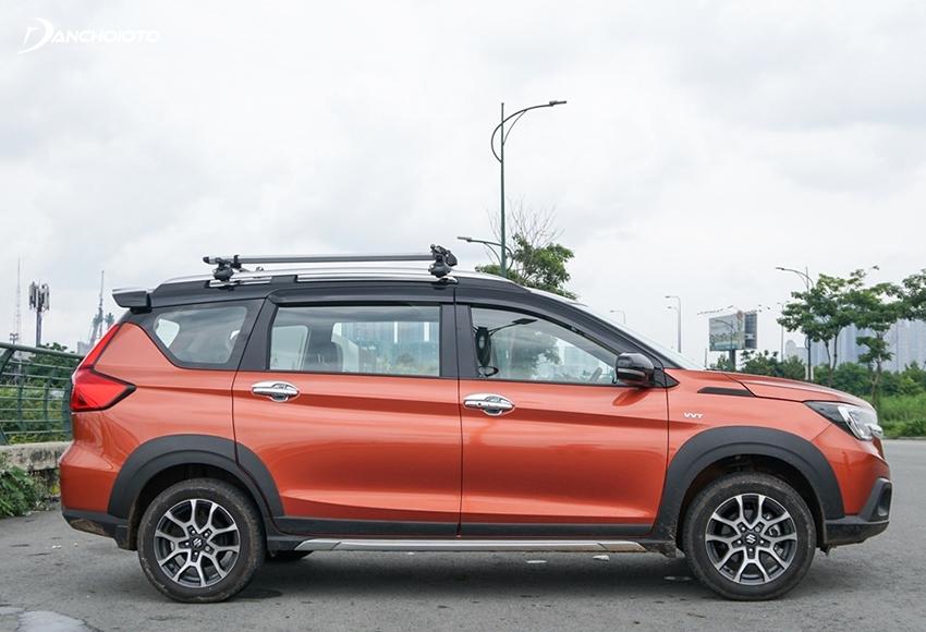 Thân xe Suzuki XL7 2020 lại có nhiều đường nét tương đồng với Ertiga