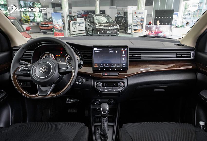 """Thiết kế taplo Suzuki Ertiga 2021 đậm chất thực dụng nhưng không đem đến cảm giác bị """"rẻ tiền"""""""