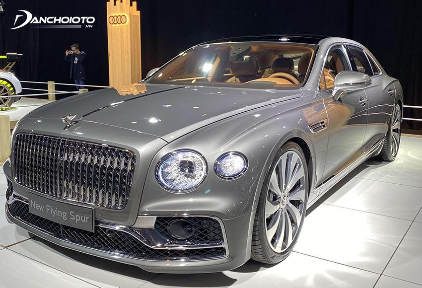 Bentley Flying Spur là một mẫu xe sedan siêu sang của hãng Bentley