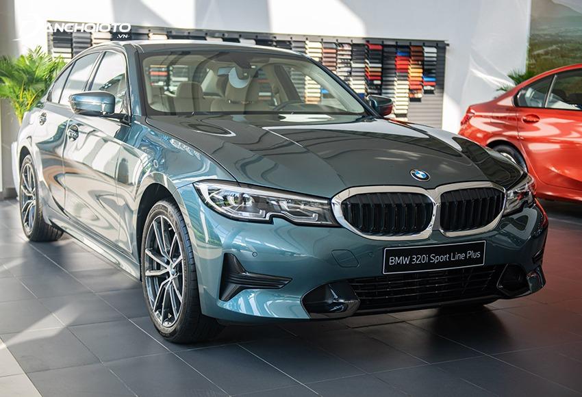 BMW 3 Series thuộc phân khúc sedan hạng sang cỡ nhỏ
