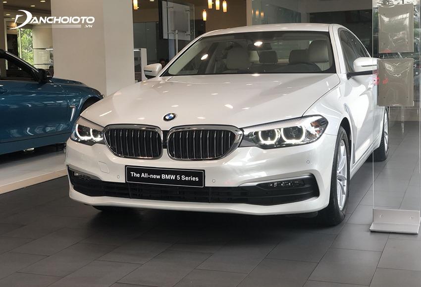 BMW 5 Series thuộc phân khúc sedan hạng sang cỡ trung