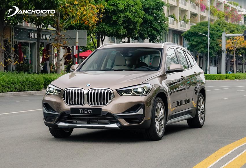 BMW X1 được định hình là một mẫu xe 5 chỗ gầm cao thể thao và năng động