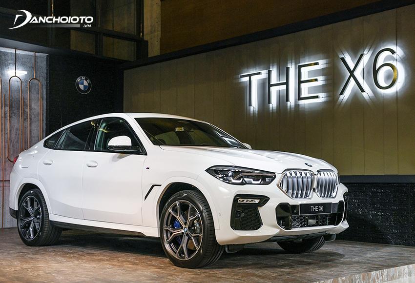 BMW X4 là một mẫu xe 5 chỗ gầm cao cỡ trung với thiết kế crossover lai coupe