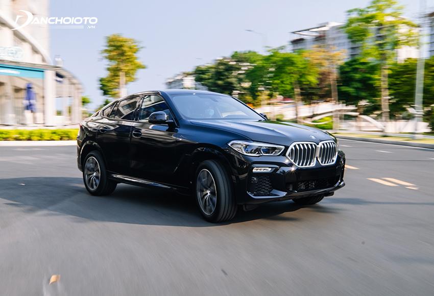 BMW X6 là một mẫu 5 chỗ gầm cao SUV lai coupe
