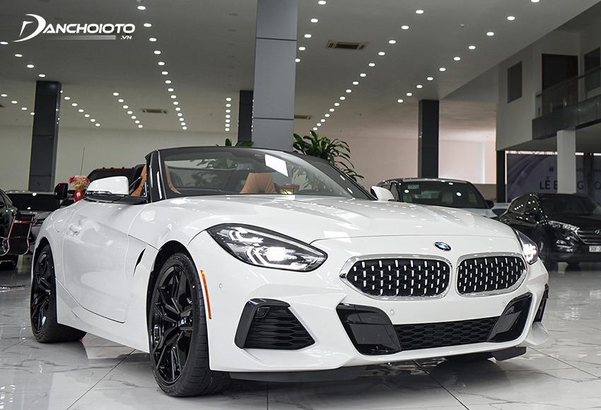 BMW Z4 là mẫu xe mui trần hiếm hoi được nhập khẩu chính hãng từ châu Âu về Việt Nam