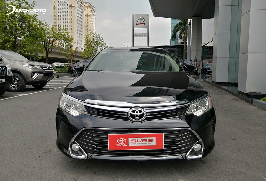 The old Toyota models are very popular so the price is kept high